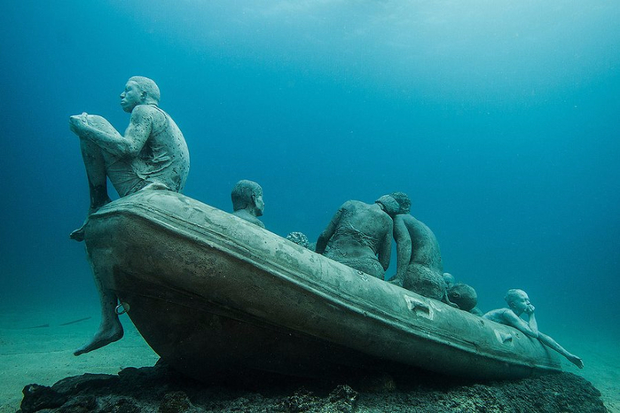 подводный музей Atlantico 8 (700x466, 303Kb)