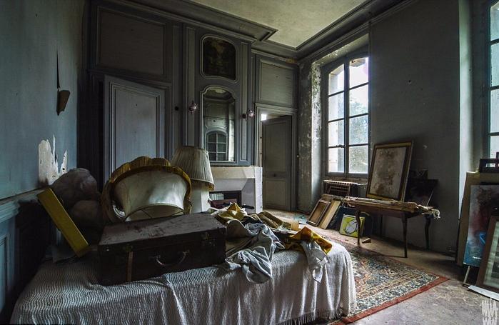 заброшенный старинный дом фото 7 (700x455, 349Kb)