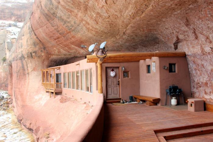 дом в пещере 2 (700x466, 435Kb)