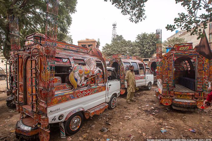 тюнинг пакистанских маршруток 1 (700x465, 591Kb)