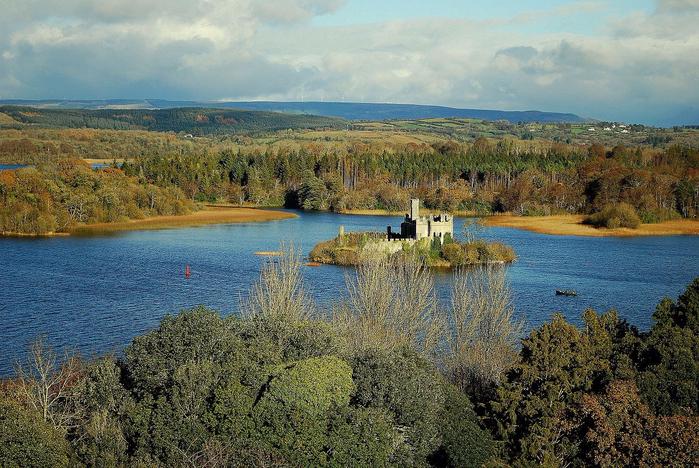 замок на острове Касл Айленд ирландия 1 (700x468, 511Kb)