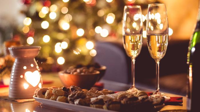 bokaly-shampanskoe-svecha (700x393, 291Kb)