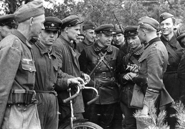 Был ли план Сталина нападения на Германию   наступательная или оборонительная война Советского Союза?