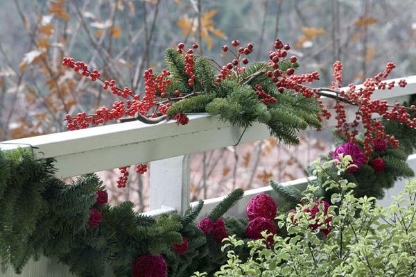 украсить балкон к Новому году