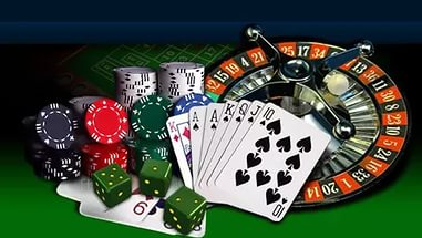 Playing online Casino games with Family at home