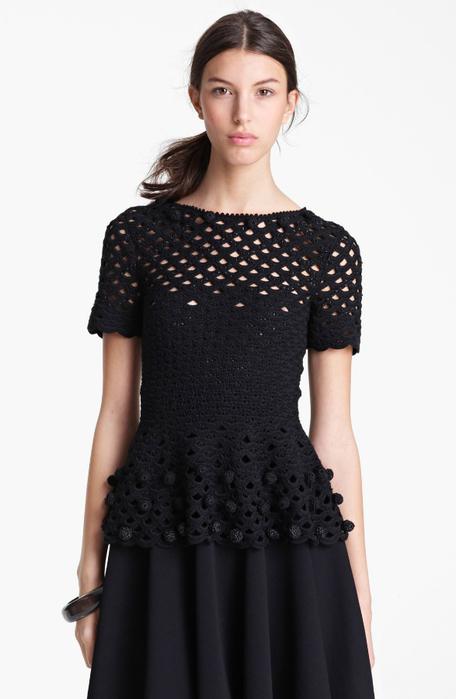 0-Oscar-de-la-Renta-Hand-Crochet-Peplum-Top-For-Women-1 (456x700, 175Kb)