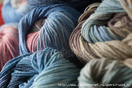 depositphotos_54138449-stock-photo-clew-of-yarn-for-knitting (450x300, 87Kb)