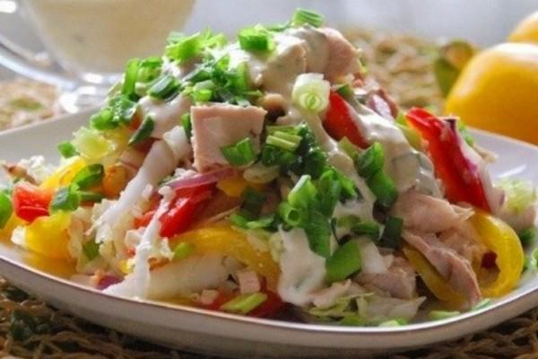 dieticheskij-salat-kurochka-snegurochka (600x400, 208Kb)