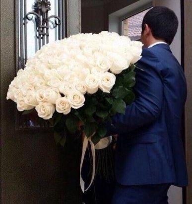 5745884_Interesno_a_v_mody_vernytsya_myjiki_pohojie_na_myjikov_8_marta (387x411, 28Kb)