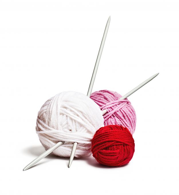 a_group_of_multi-colored_balls_of_yarn_and_knitting_needles_on_a_white_background_2 (625x680, 117Kb)