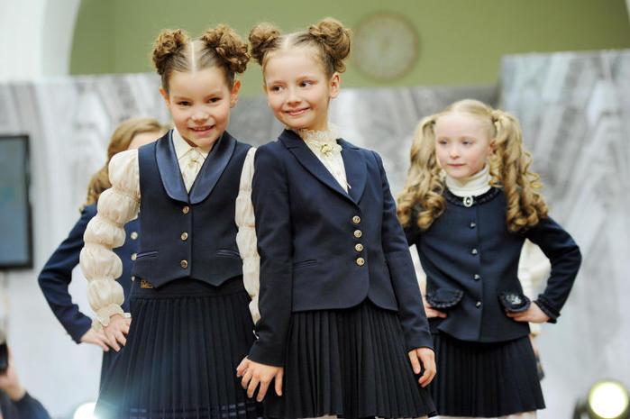 "alt=""Проблемы выбора школьной формы для детей""/2835299_Problemi_vibora_shkolnoi_formi_dlya_detei1 (700x465, 49Kb)"