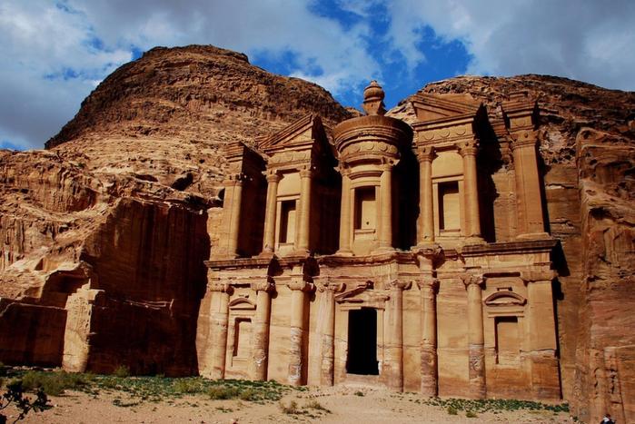 1.  Город Петра, Иордания (700x467, 444Kb)