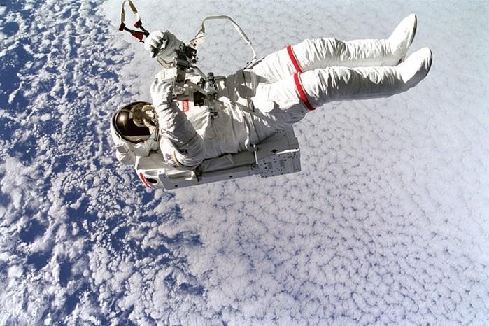SpaceX: Туристы полетят на Луну в 2018 году