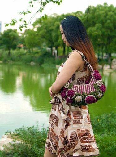 Крючком. Весенняя сумочка с цветами (13) (375x506, 208Kb)