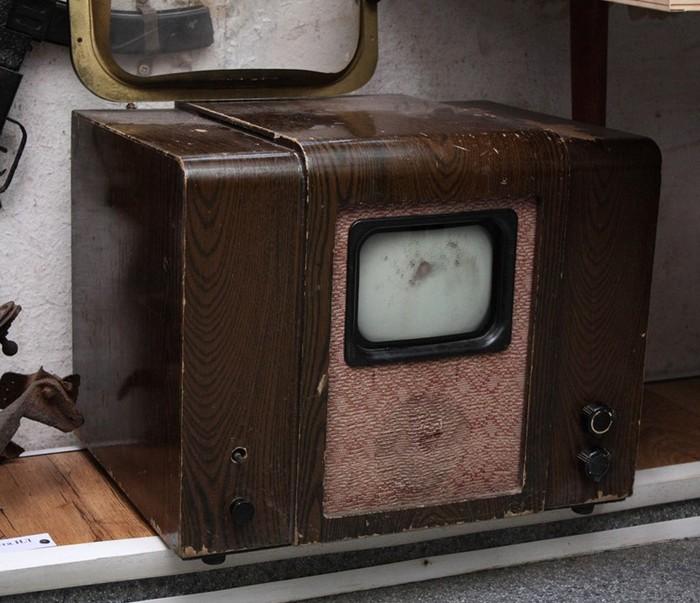 Чем телевизор опасен для здоровья
