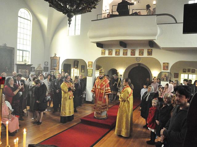 Амвросий Епископ в Николаевском Каф соборе (640x479, 71Kb)