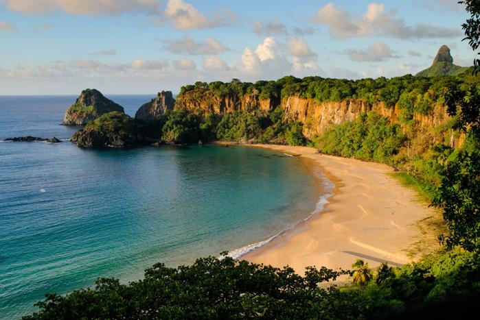 бразильский пляж Baia do Sancho 5 (700x467, 422Kb)