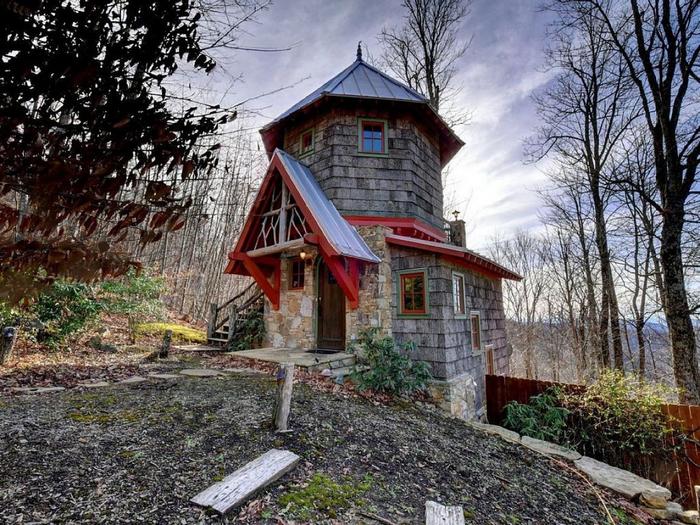 красивый лесной домик 1 (700x525, 484Kb)