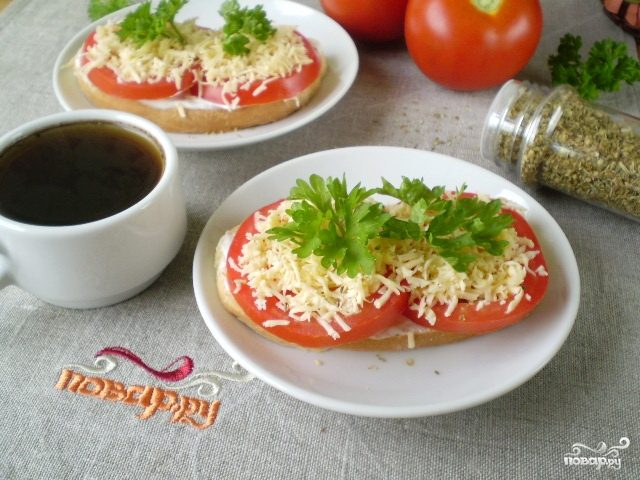 Бутерброды на 8 марта/5281519_buterbrodi_s_sirom_i_pomidorami205031 (640x480, 67Kb)