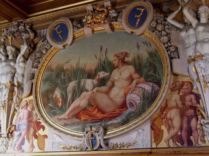 800px-Fontainebleau_interior_francois_I_gallery_03 (700x525, 90Kb)