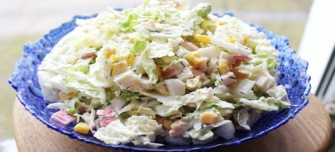 Салат с крабовыми палочками и китайской капустой рецепт с