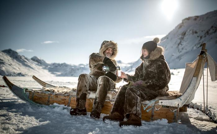 6190265_Greenland_Sissimiut_PeopleOnSled_079 (700x434, 43Kb)