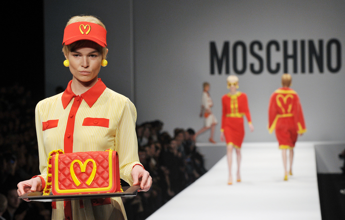 Moschino new 1 (700x445, 341Kb)