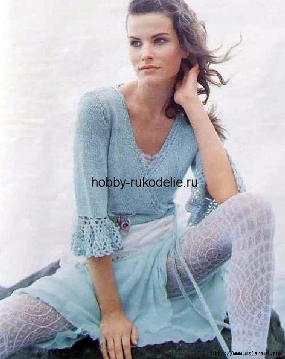pulover-s-zapaxom-i-volanami-na-rukavax-vyazanie-spicami-i-kryuchkom (555x700, 237Kb)