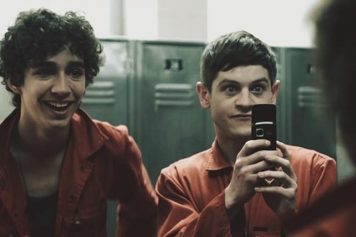 Новости о сериале «Отбросы» (Misfits): в чем прикол этого молодежного фильма?