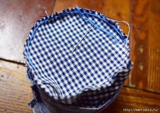 Шьем кошелек из джинсов с вязаной крючком розой (19) (550x390, 191Kb)