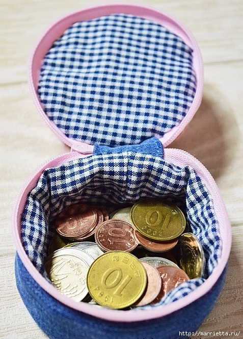 Шьем кошелек из джинсов с вязаной крючком розой (27) (477x664, 281Kb)