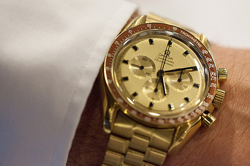 Omega_Speedmaster_gold_500 (500x333, 188Kb)