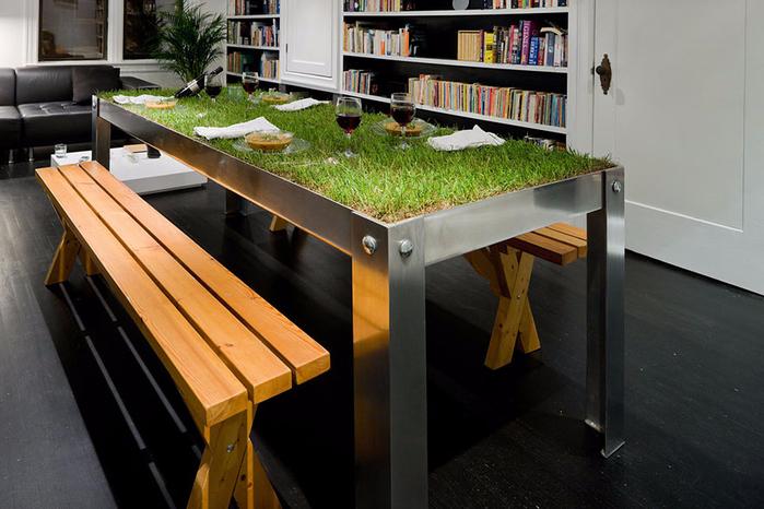 1. Стол-пикник с живой травой (700x466, 346Kb)