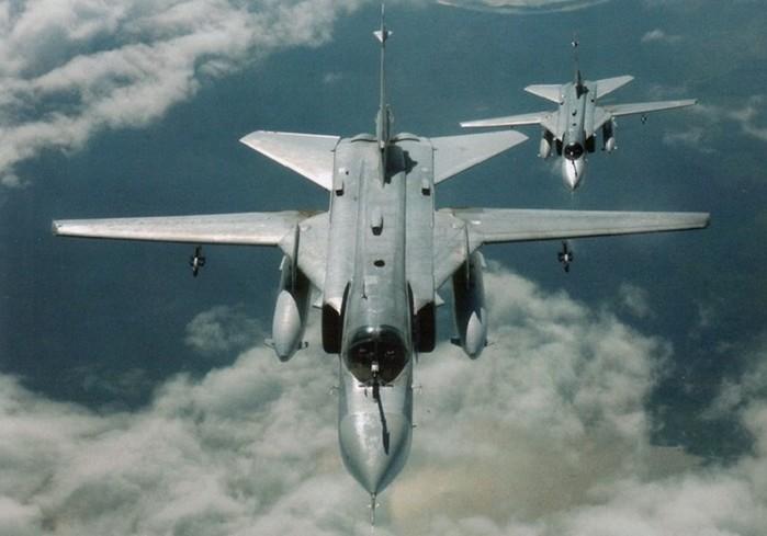 История фронтового бомбардировщика Су 24 (военная авиация России)