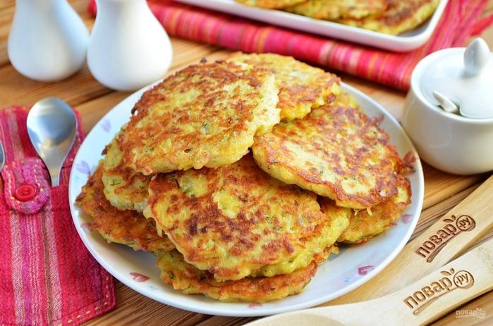 Блюда из овощей на завтрак/5281519_dranichki_s_vetchinoi_sirom_i_zeleniu364041 (700x463, 272Kb)