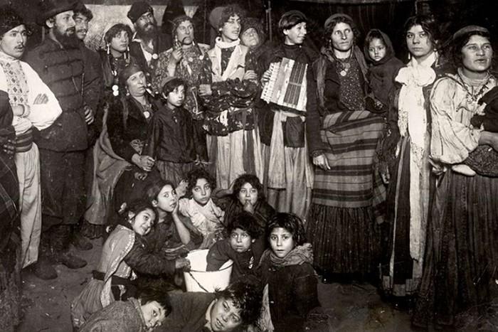 Традиционные запреты: что нельзя делать цыганам?