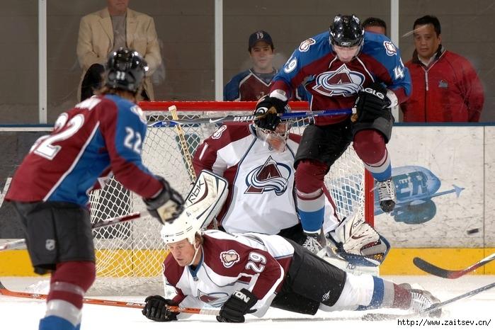 ОВЕЧКИН СПРОВОЦИРОВАЛ ДРАКУ В МАТЧЕ НХЛ ПРОТИВ 'КОЛАМБУСА' (ВИДЕО)