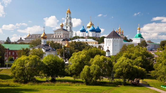 5685413_TroiceSergieva_lavra__Panorama__Fotografiya_Natalya_Volkova_fotobank_Lori (700x394, 515Kb)