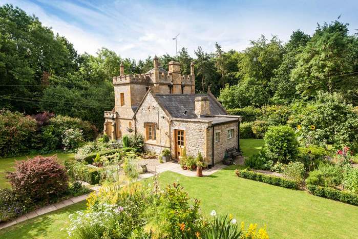 самый маленький замко великобритании Molly's Lodge 1 (700x466, 483Kb)