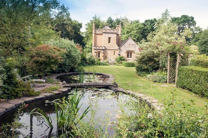 самый маленький замко великобритании Molly's Lodge 12 (700x466, 478Kb)