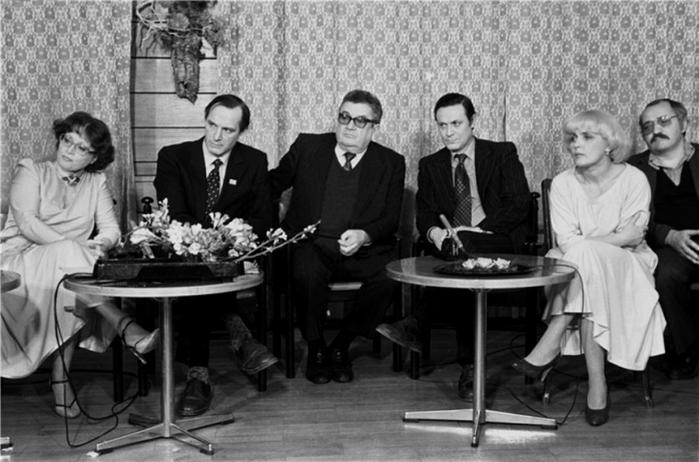 zakulisnye-kadry-sovetskogo-kino_35 (700x462, 194Kb)