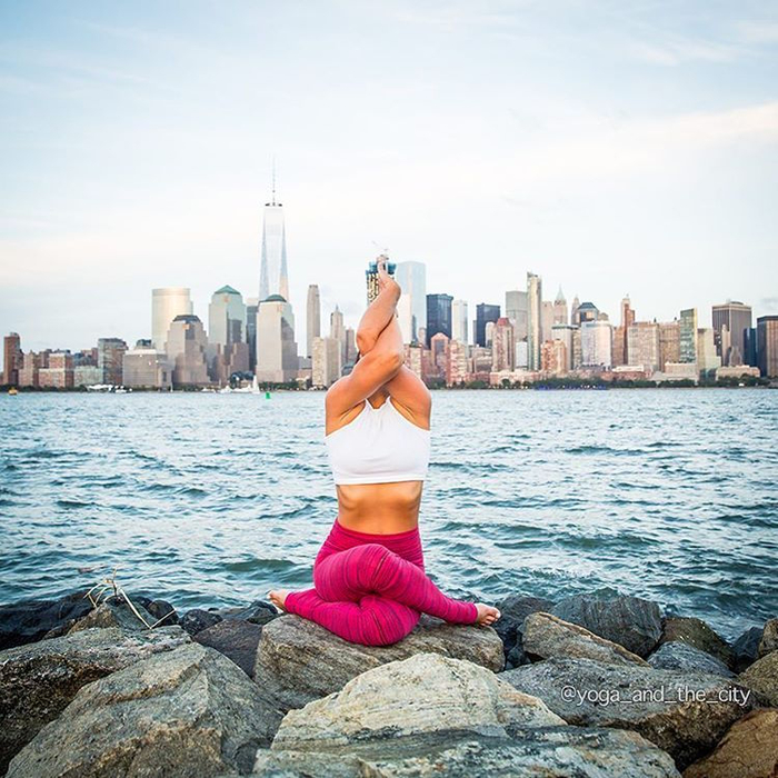 фотопроект йога и город 12 (700x700, 465Kb)