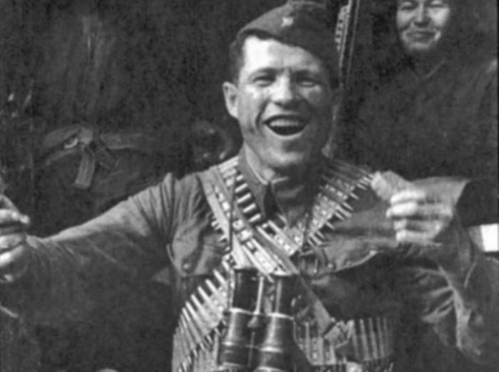 Дмитрий Овчаренко: красноармеец, который зарубил топором 21 фашиста