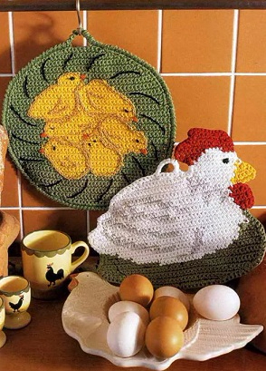 «Курица с цыплятами» - прихватки крючком (1) (294x409, 176Kb)