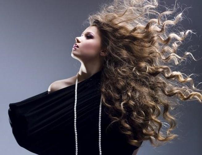 Выбор сухого шампуня для жирных волос