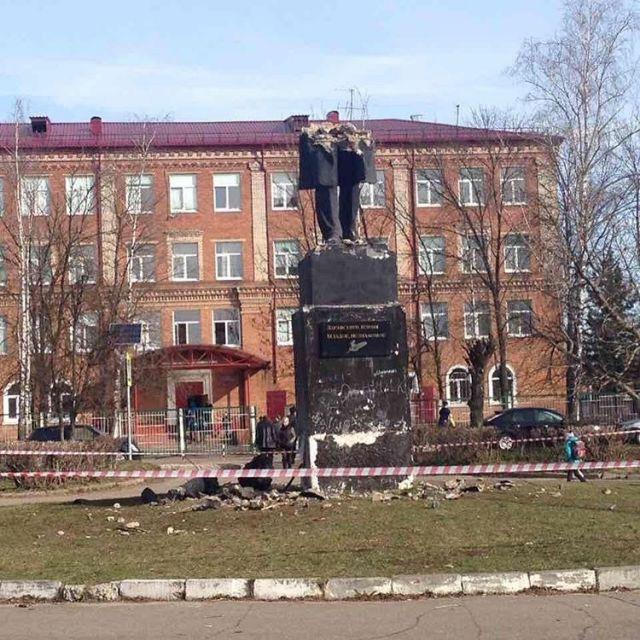 Пушкин (640x640, 364Kb)