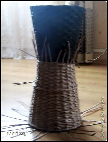 Столик со стеклом из газетных трубочек. ПЛЕТЕНИЕ (4) (370x488, 141Kb)