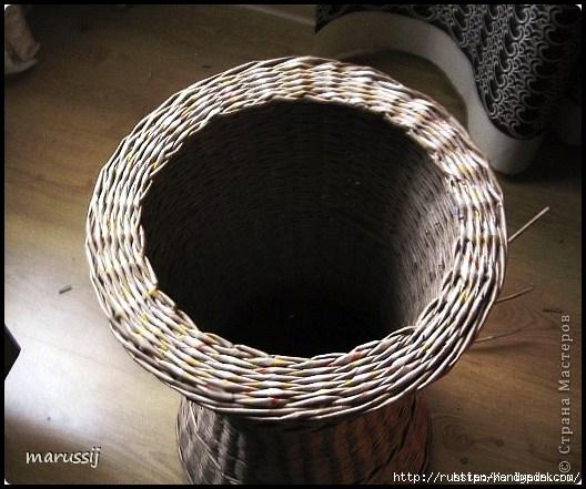 Столик со стеклом из газетных трубочек. ПЛЕТЕНИЕ (6) (528x441, 163Kb)