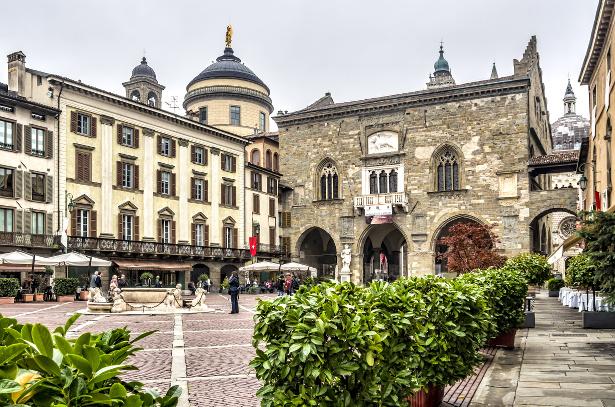 3437398_bergamo_piazza_vecchia_3 (615x407, 208Kb)