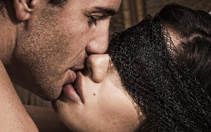 Сонник: поцелуй в губы с незнакомцем